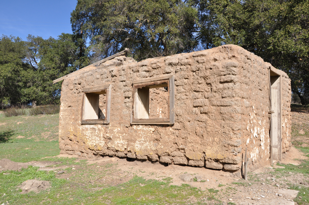 An adobe building (at the entrance to Tucalota Springs) originally housed the Butterfield Stage stop and was also used for the Pony Express.