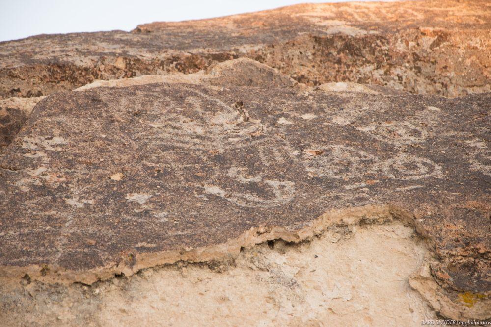 Petroglyphs (4/6)